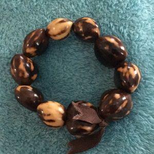 Jewelry - Interesting nut bracelet. Stretch design
